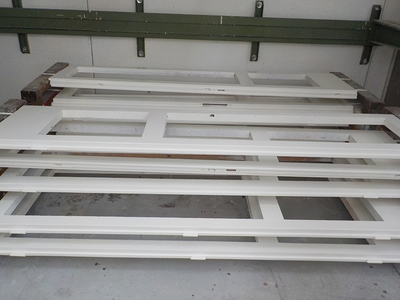 verniciatura porta in legno